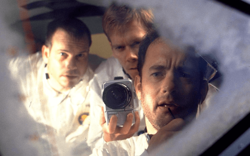 A photo of actors in the movie Apollo 13