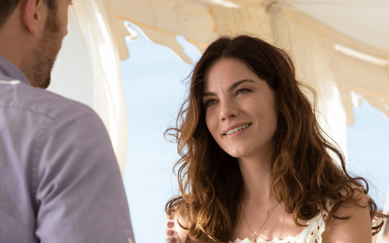 Michelle Monaghan and Chris Evans in Playing It Cool.